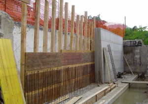 Gradnja opornega zidu v Trbovljah