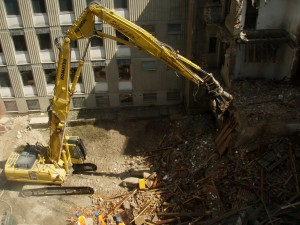 Rušenje objekta Komenskega v Ljubljani
